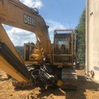 2006 John Deere 200CLC Excavator