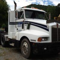 1986 T600 Kenworth Tractor