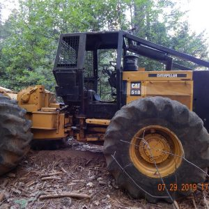 Caterpillar Single Arch Grapple Skidder